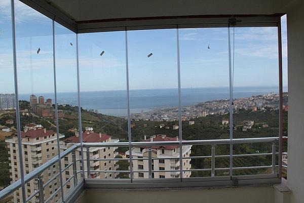 cam balkon farkları